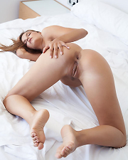 Sexy picture of Carina