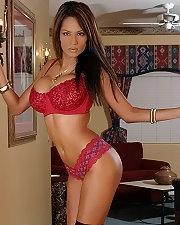 Sexy picture of Kristi Curiali